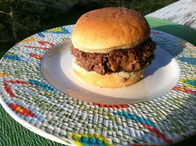 Bacon-stuffed cheeseburger final