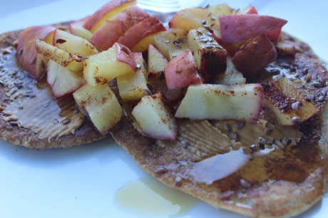 Greek yogurt pancakes with spiced apples
