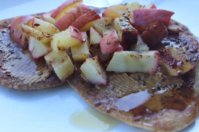 Greek yogurt pancakes with spiced apples