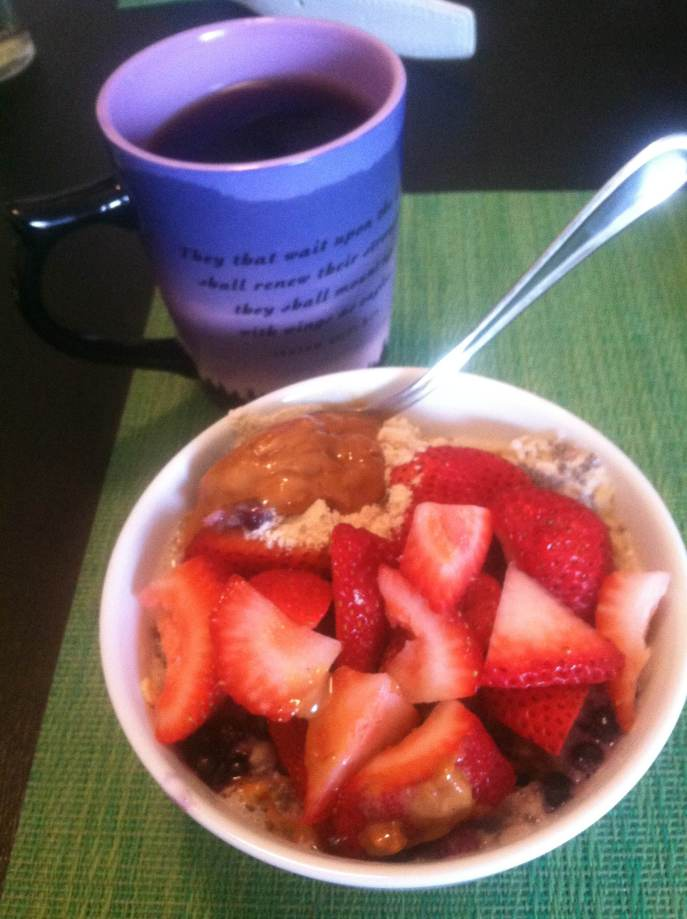 Strawberry and blueberry oats